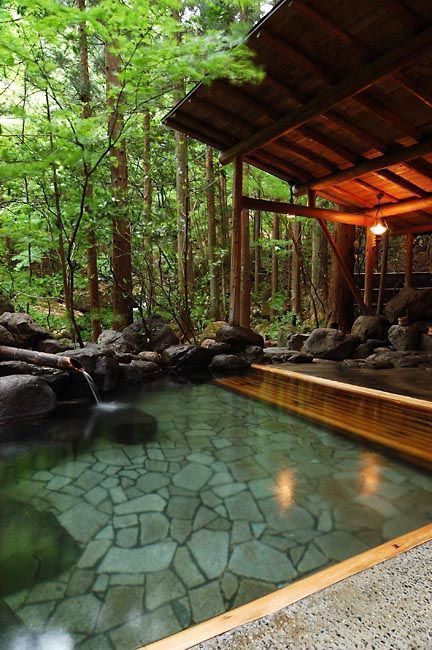 Natural Flagstone Pool